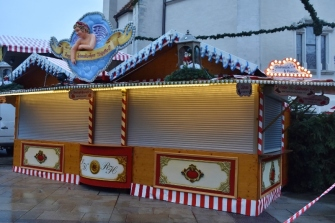 Yes, we are STILL waiting for the Christmas Market to open. It's tomorrow here (and we'll be gone)