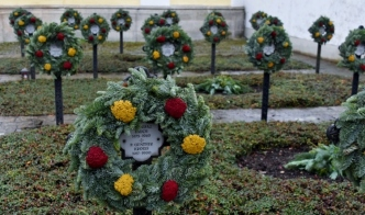 I thought it was especially nice that St. Catherine placed FSU Seminole-colored wreaths out to greet us in honor of our win over University of Florida last night
