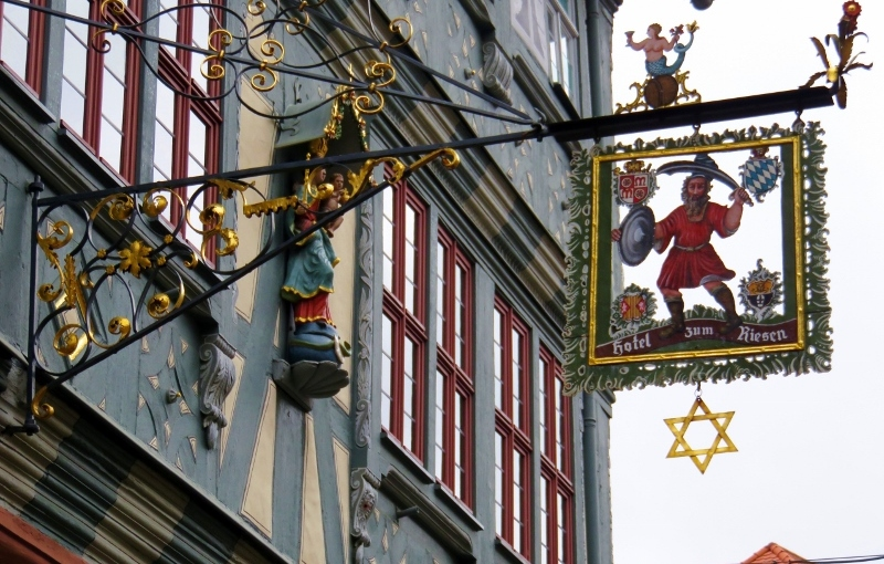 Miltenberg  and the Peeing Men